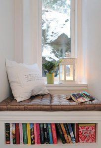 Leesplek: hoekje met boeken